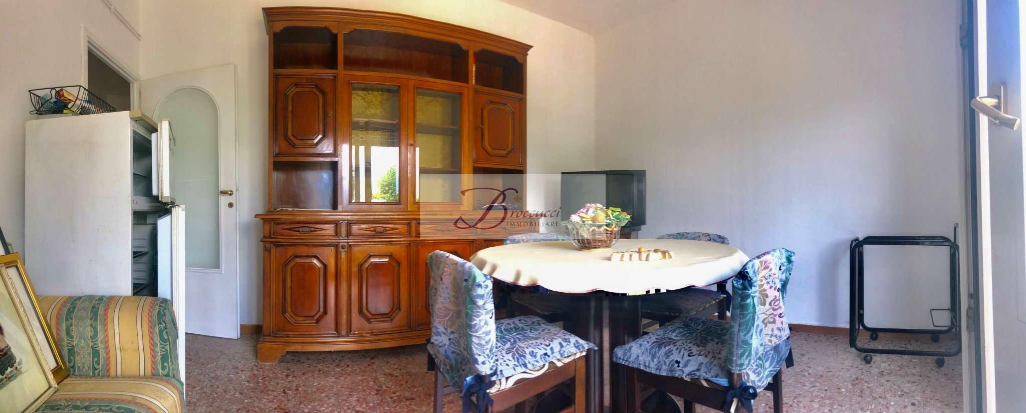 Appartamento in affitto a Cuasso al Monte, 3 locali, prezzo € 400 | PortaleAgenzieImmobiliari.it