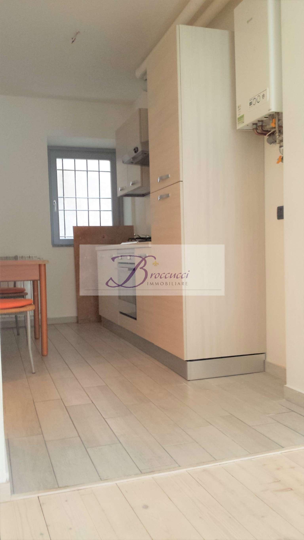 Appartamento in affitto a Bisuschio, 2 locali, prezzo € 430 | PortaleAgenzieImmobiliari.it