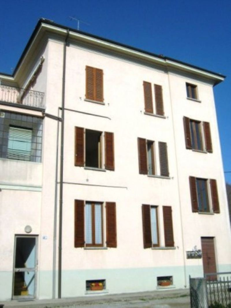 Appartamento in buone condizioni in vendita Rif. 6811621
