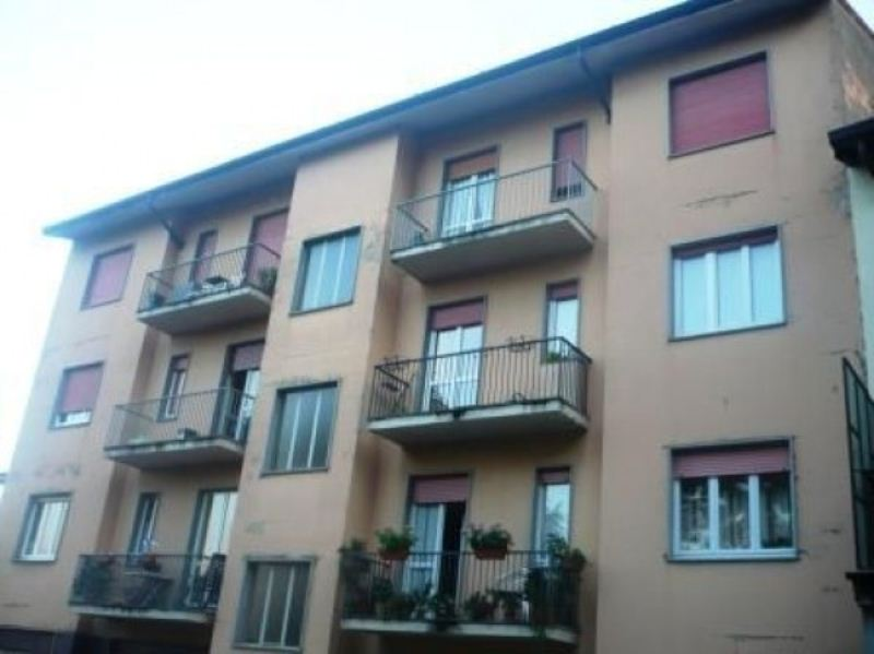 Appartamento in buone condizioni in vendita Rif. 6811606