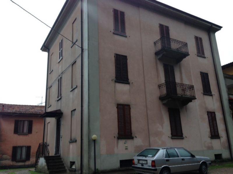Appartamento in buone condizioni arredato in vendita Rif. 6811658