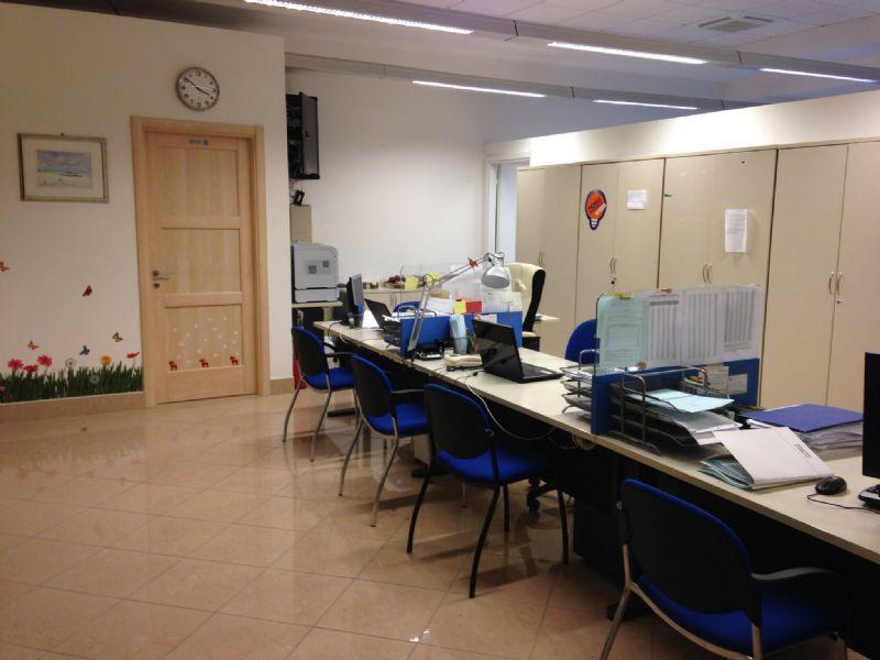 Ufficio / Studio in affitto a Ancona, 9999 locali, prezzo € 700   CambioCasa.it
