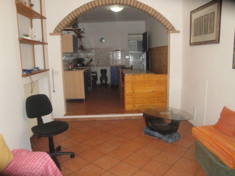Appartamento in vendita a Offagna, 3 locali, prezzo € 75.000 | CambioCasa.it