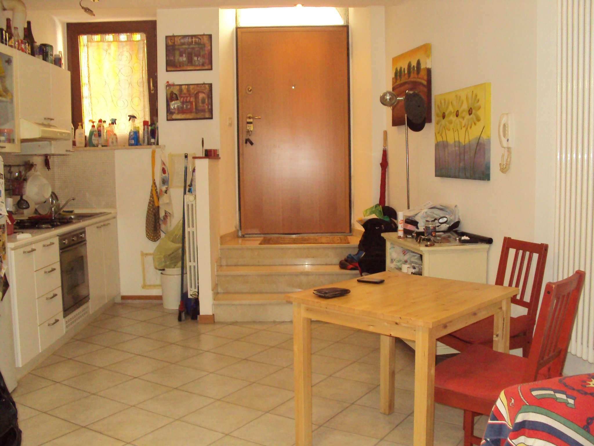 Appartamento in ottime condizioni arredato in affitto Rif. 9123846