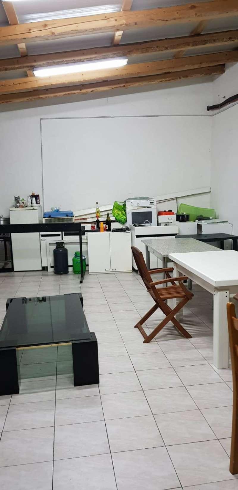 Magazzino in vendita a Polverigi, 1 locali, prezzo € 52.000   CambioCasa.it