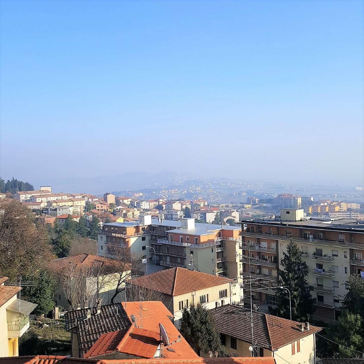 Appartamento in affitto a Osimo, 4 locali, prezzo € 570   CambioCasa.it