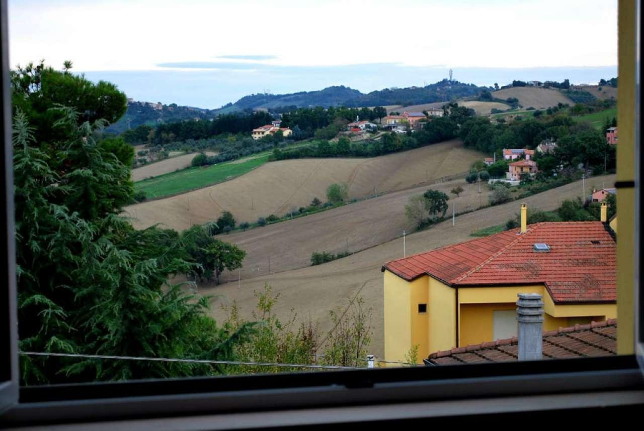 Appartamento in vendita a Agugliano, 4 locali, prezzo € 120.000 | PortaleAgenzieImmobiliari.it