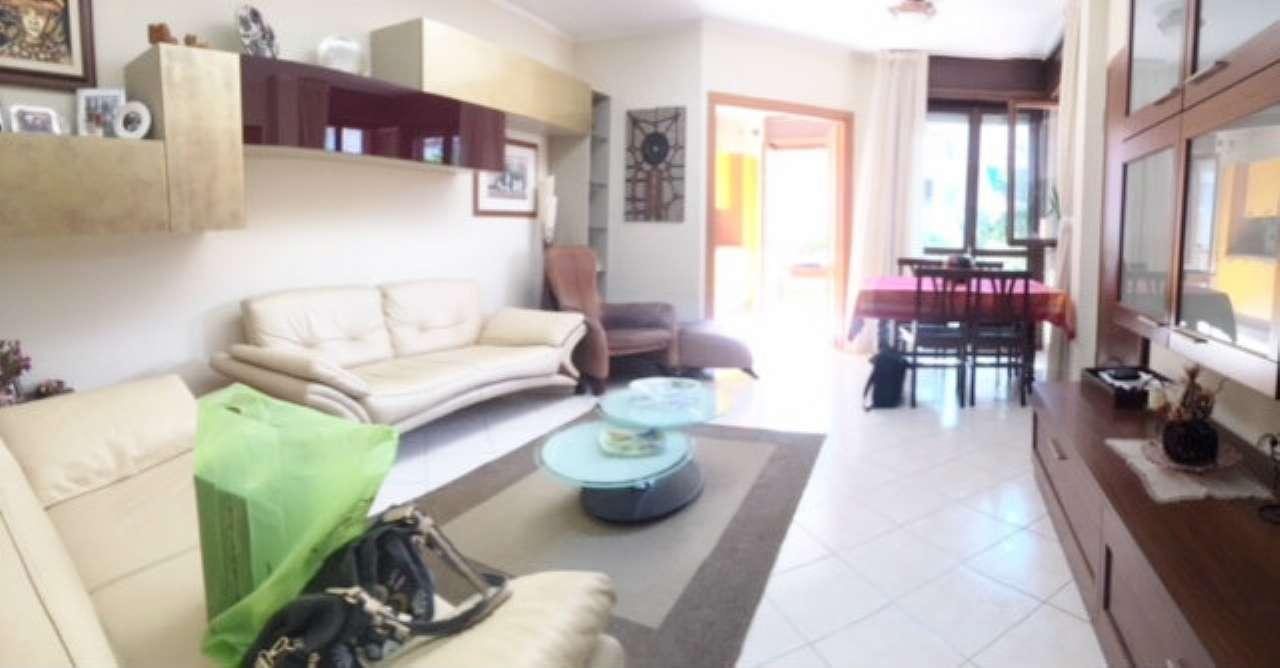 Appartamento in ottime condizioni in vendita Rif. 7243598