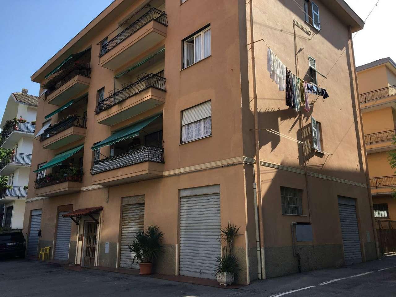Appartamento in affitto a Serra Riccò, 4 locali, prezzo € 400 | CambioCasa.it