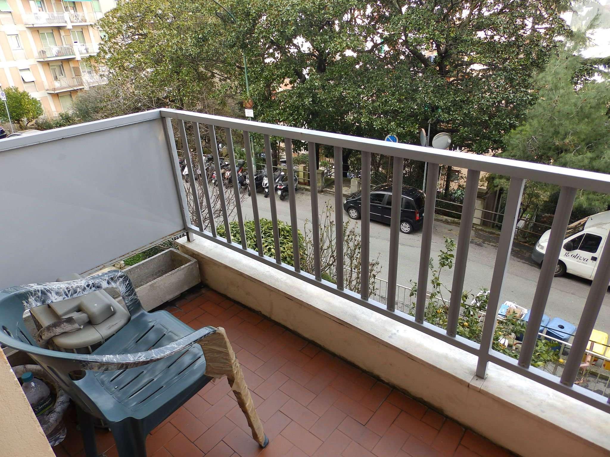 Appartamento in buone condizioni in affitto Rif. 9335247