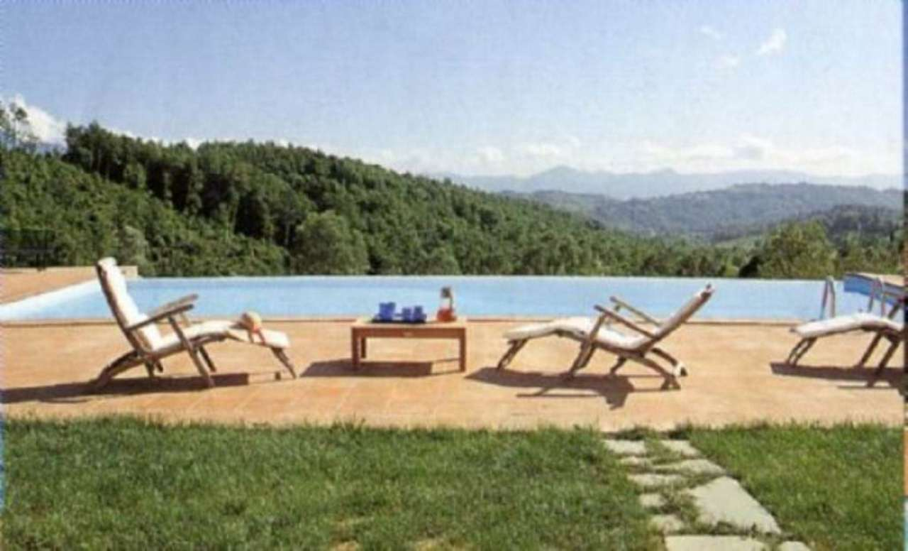 Villa in affitto a Aulla, 15 locali, prezzo € 500 | CambioCasa.it
