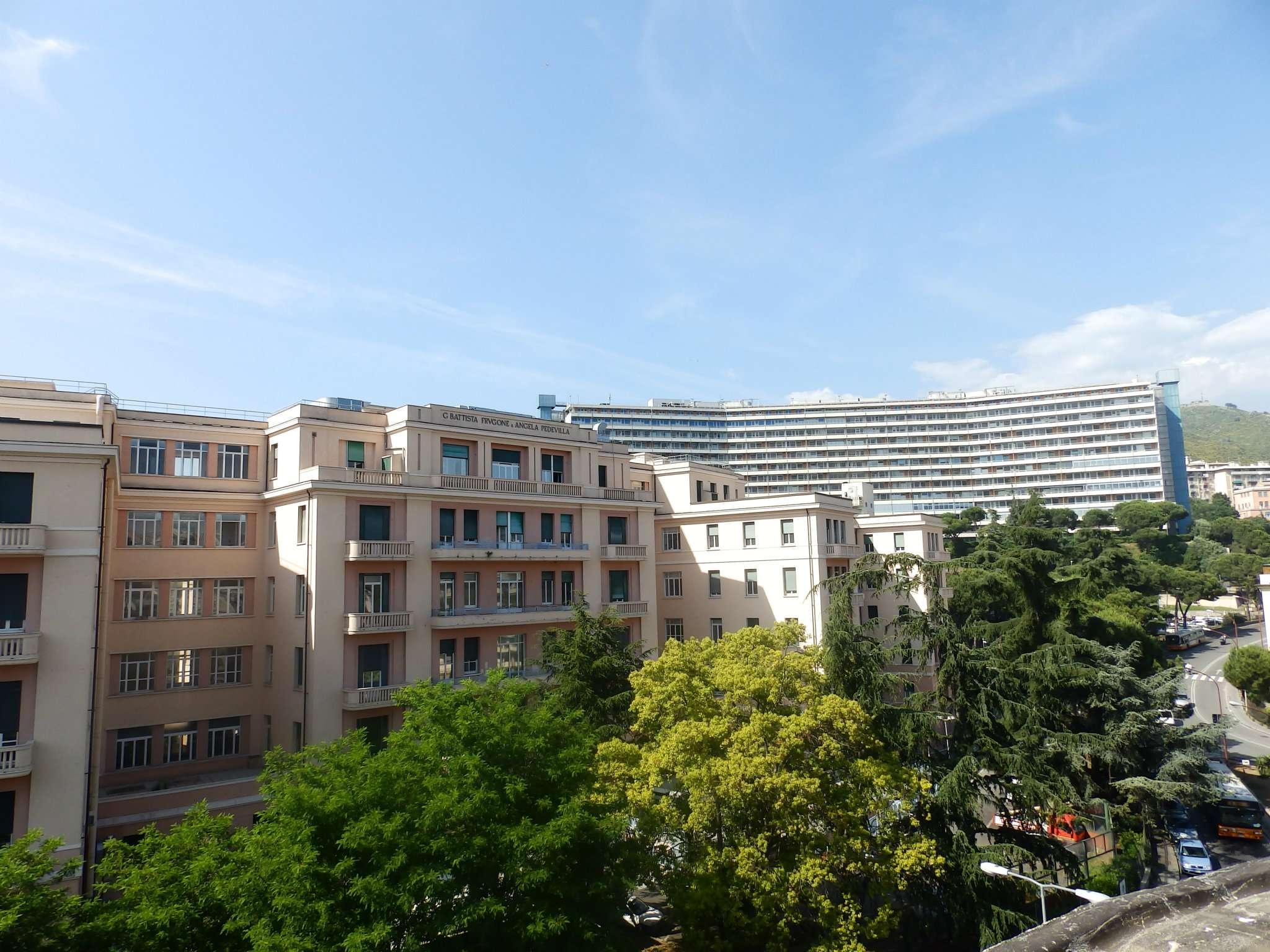 Appartamento in affitto a Genova, 7 locali, prezzo € 650 | PortaleAgenzieImmobiliari.it