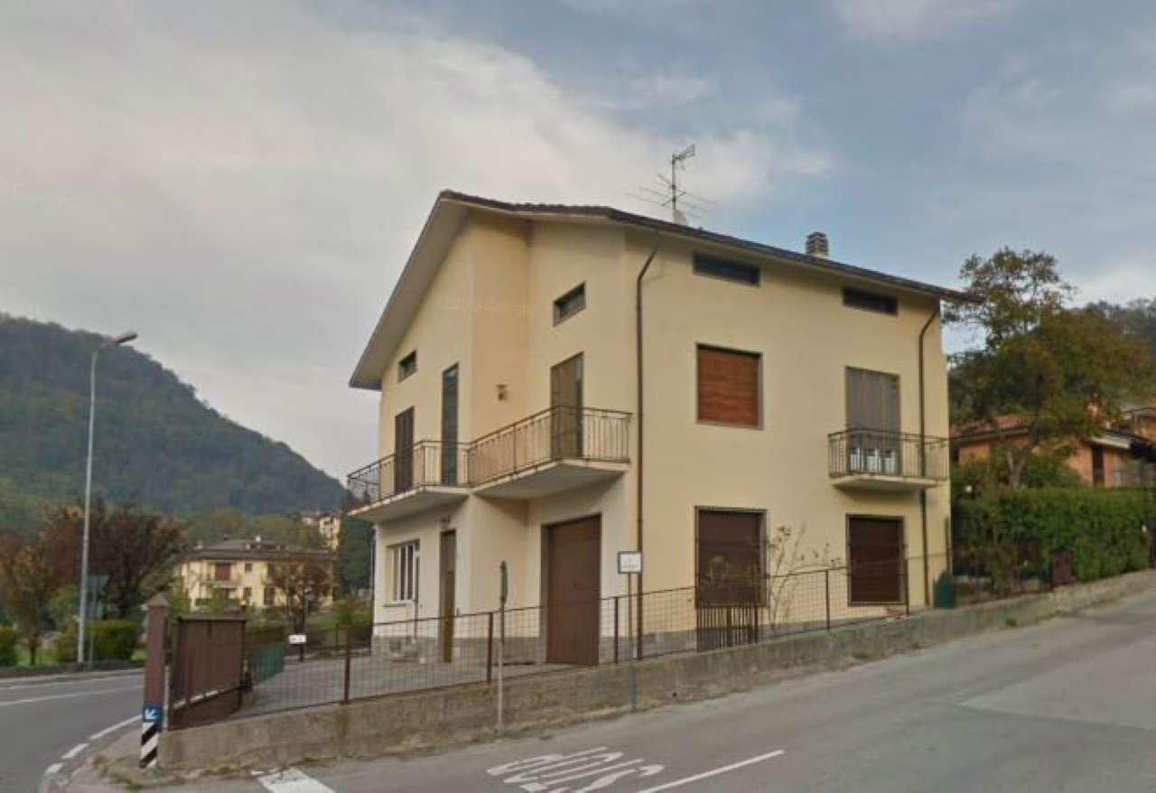 Villa in vendita a Proserpio, 7 locali, prezzo € 280.000 | PortaleAgenzieImmobiliari.it