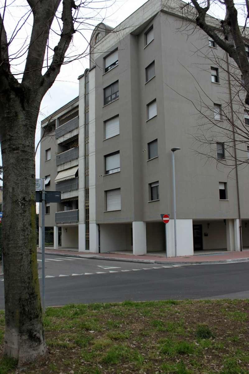 Appartamento in vendita a Pero, 3 locali, prezzo € 265.000 | PortaleAgenzieImmobiliari.it