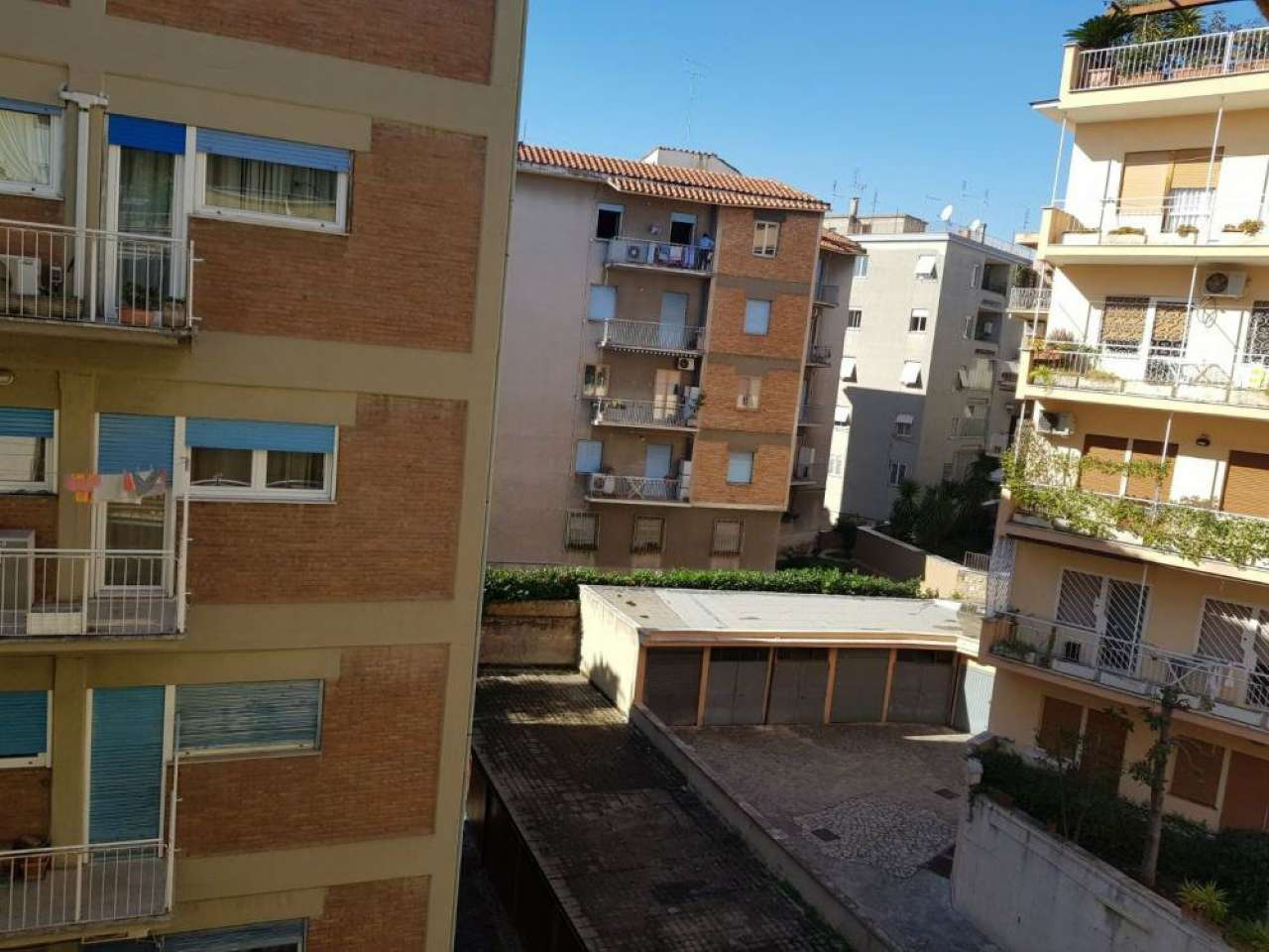 Appartamento in vendita a Roma, 4 locali, zona Zona: 18 . Ardeatino - Grotta Perfetta - Fonte Meravigliosa, prezzo € 330.000 | CambioCasa.it