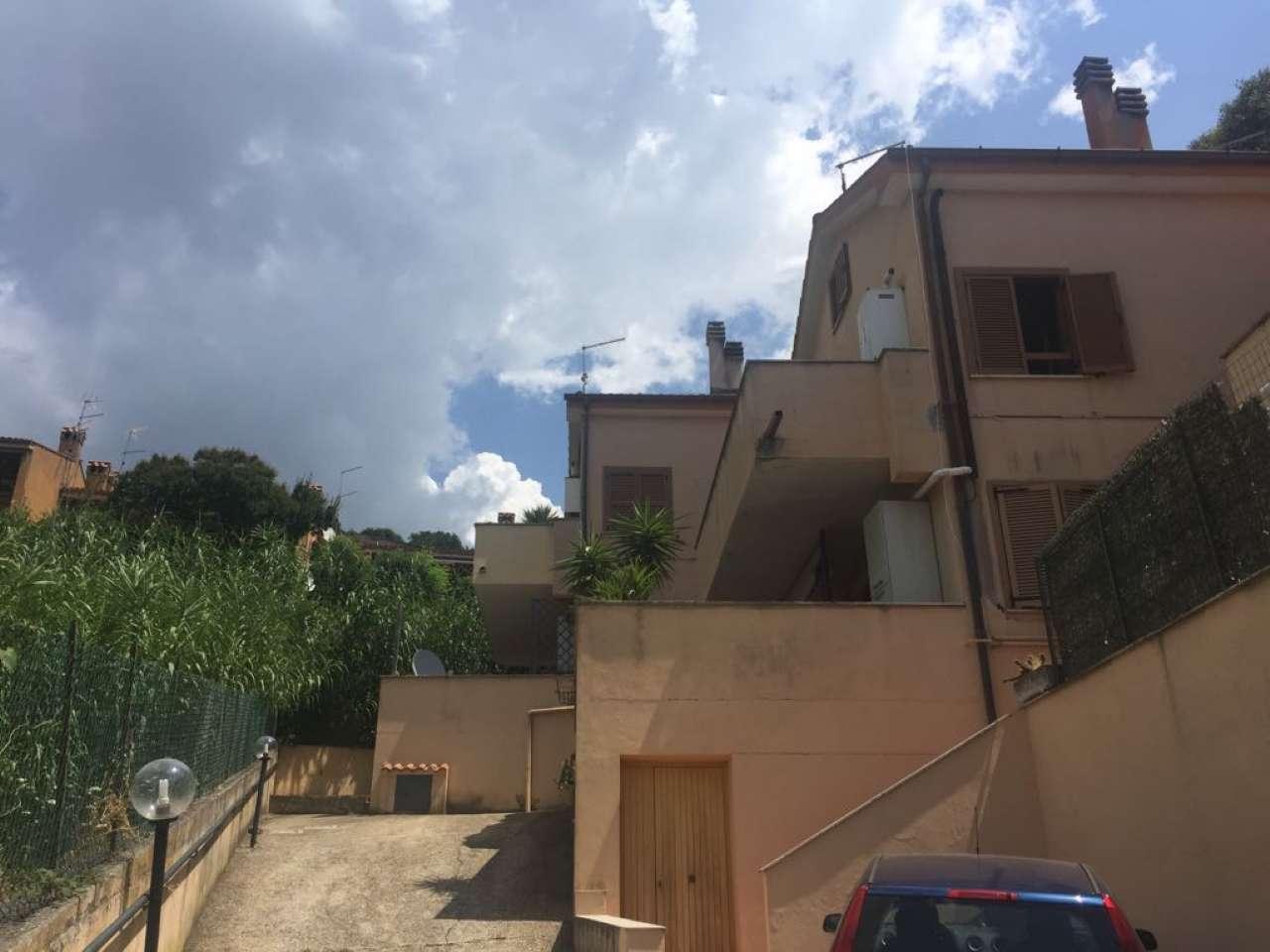 Appartamento in vendita a Trevignano Romano, 4 locali, prezzo € 168.000   CambioCasa.it