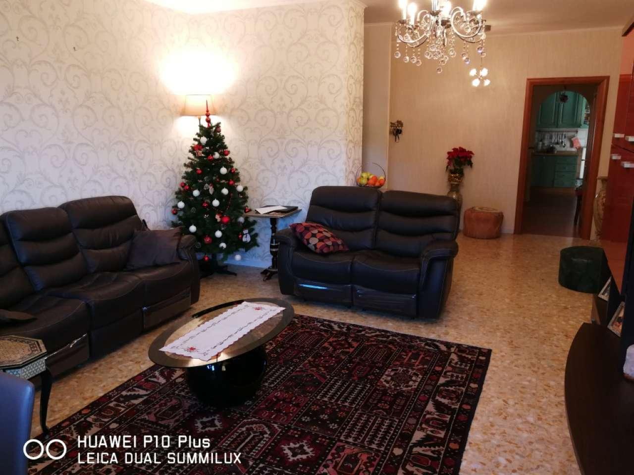 Appartamento in vendita a Roma, 5 locali, zona Zona: 22 . Eur - Torrino - Spinaceto, prezzo € 425.000   CambioCasa.it