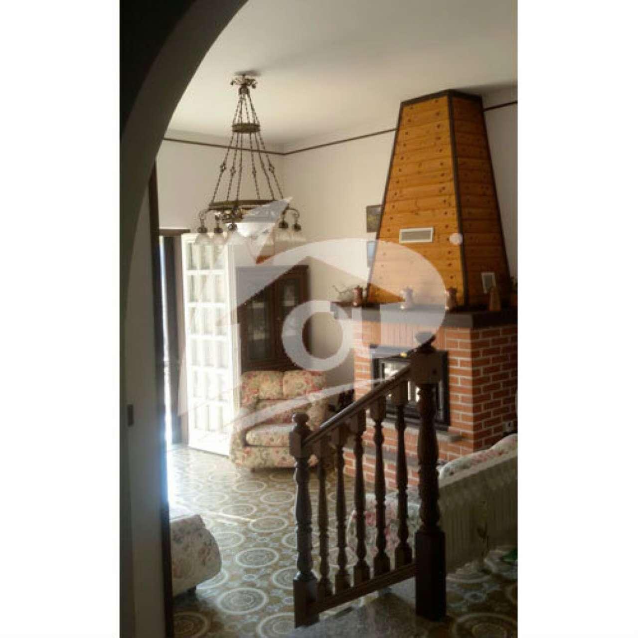 Villa in vendita a Marano Ticino, 5 locali, prezzo € 265.000 | CambioCasa.it
