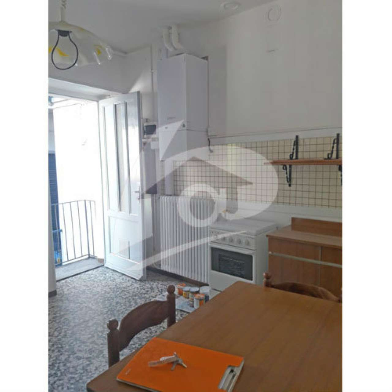 Appartamento in discrete condizioni parzialmente arredato in affitto Rif. 7401709