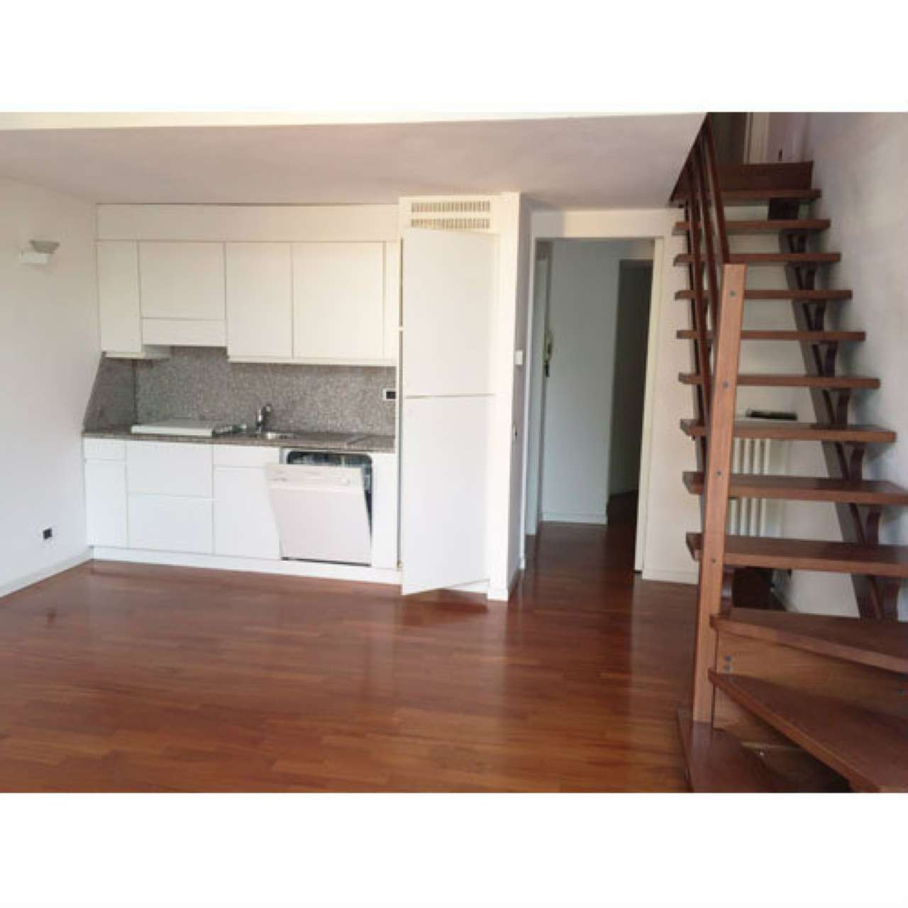 Appartamento in ottime condizioni parzialmente arredato in affitto Rif. 7967821