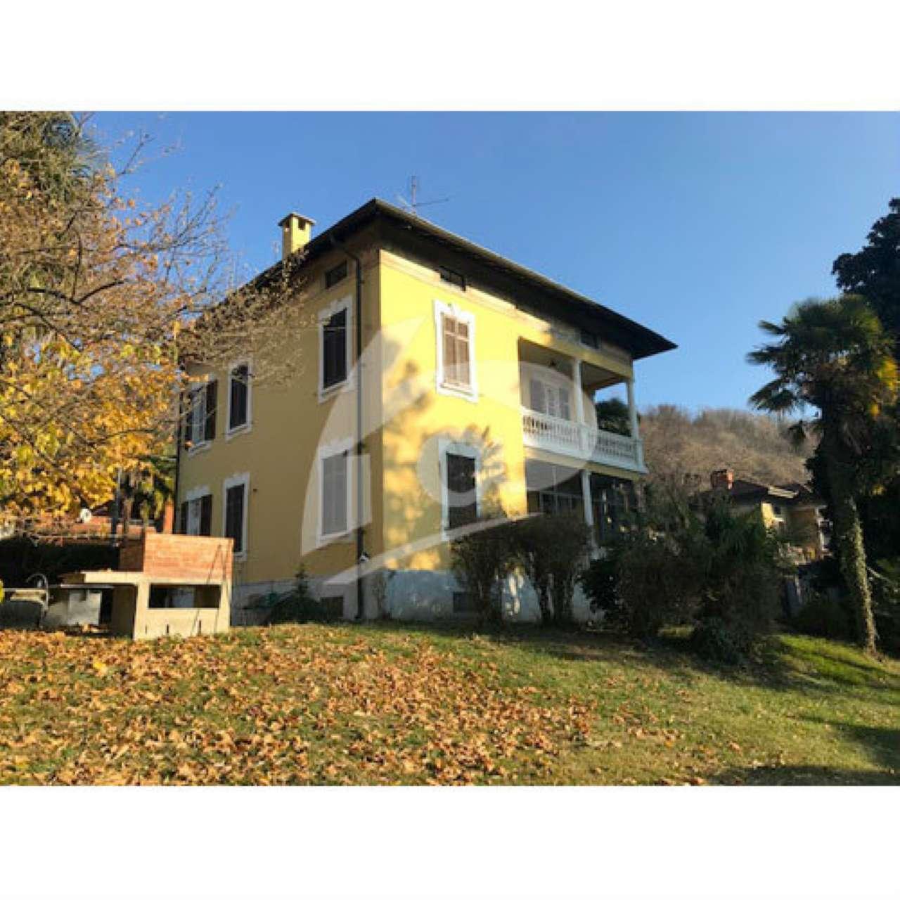 Villa in affitto a Cittiglio, 6 locali, prezzo € 1.400 | CambioCasa.it