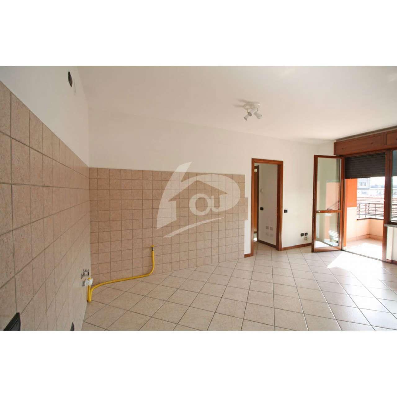 Appartamento in affitto a Laveno-Mombello, 2 locali, prezzo € 500 | CambioCasa.it