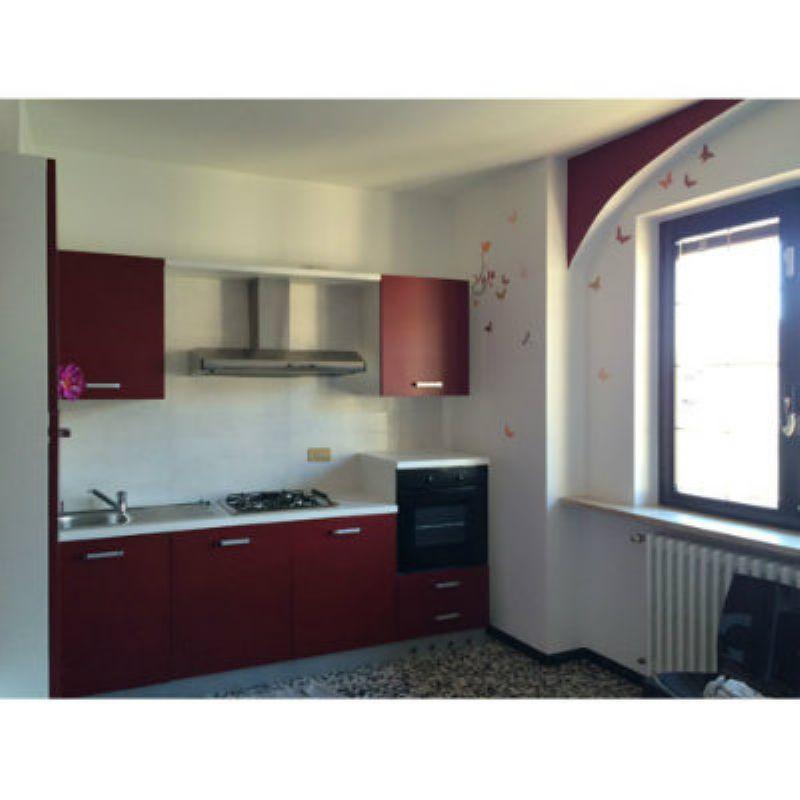 Appartamento in affitto a Cocquio-Trevisago, 3 locali, prezzo € 400 | CambioCasa.it