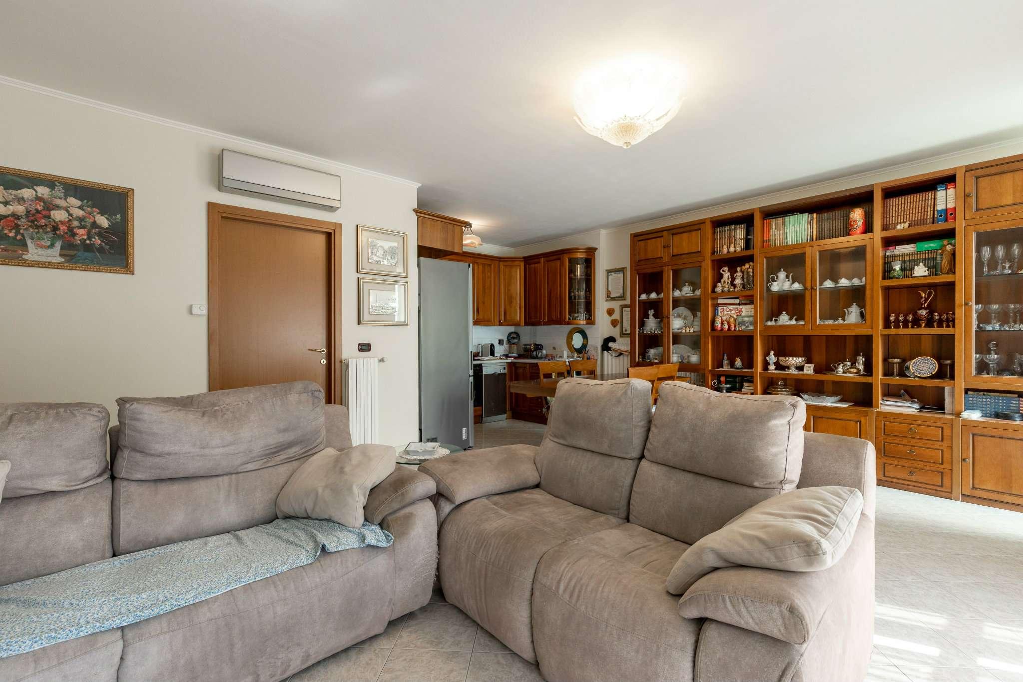 Appartamento in vendita a Buccinasco, 3 locali, prezzo € 285.000 | CambioCasa.it