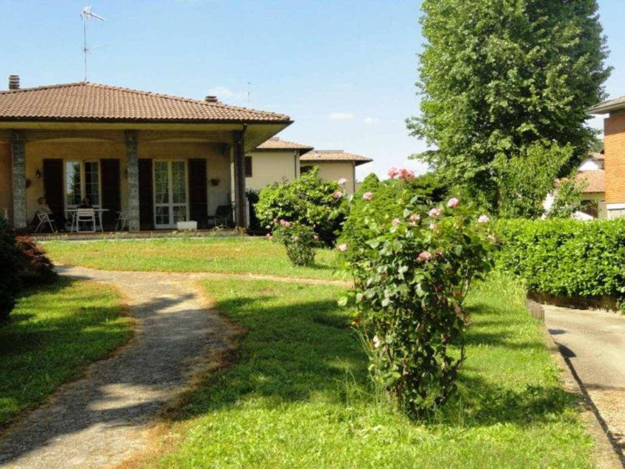 Villa in vendita a Gropello Cairoli, 6 locali, prezzo € 310.000 | CambioCasa.it