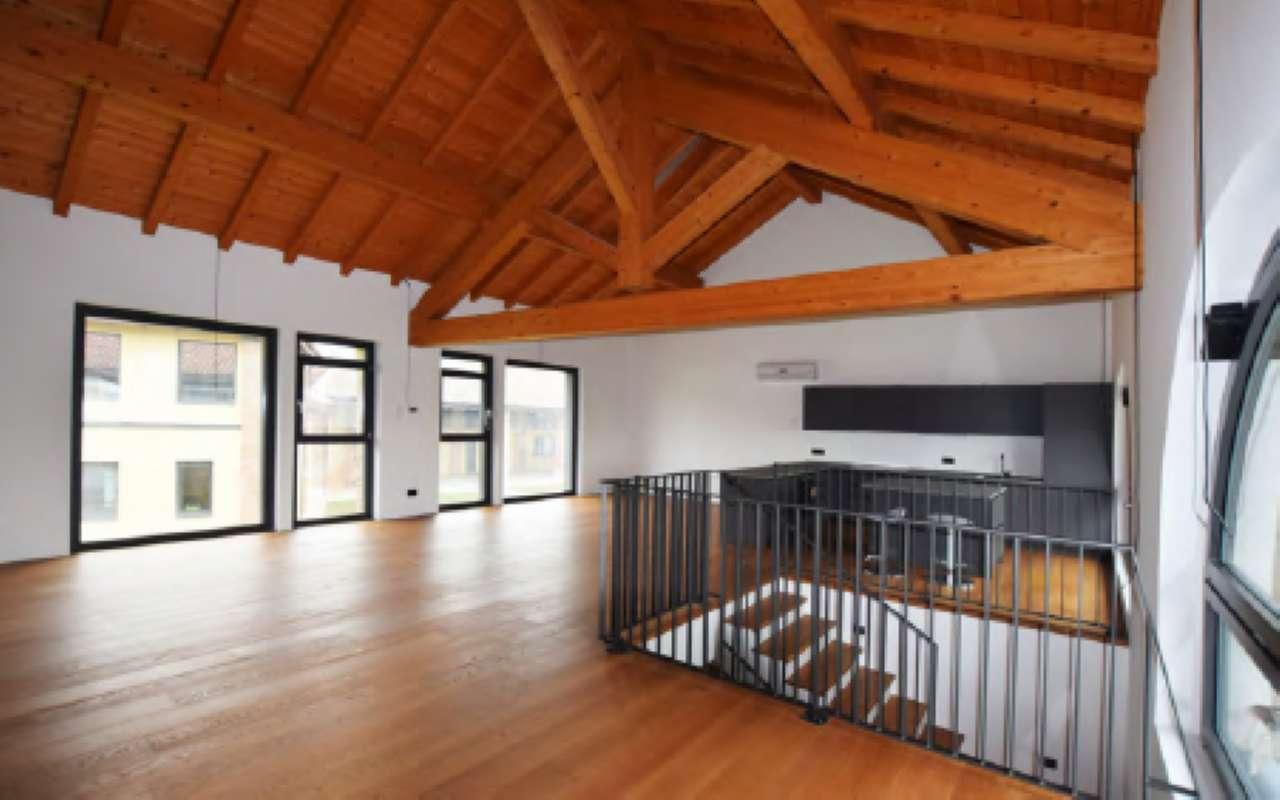 Appartamento in affitto a Trivolzio, 9999 locali, prezzo € 1.600 | CambioCasa.it