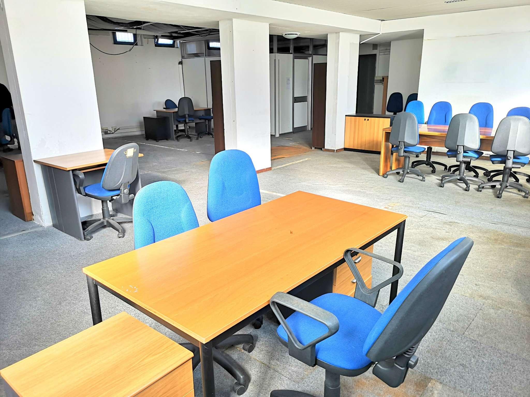 Ufficio / Studio in vendita a Arese, 3 locali, prezzo € 110.000   CambioCasa.it
