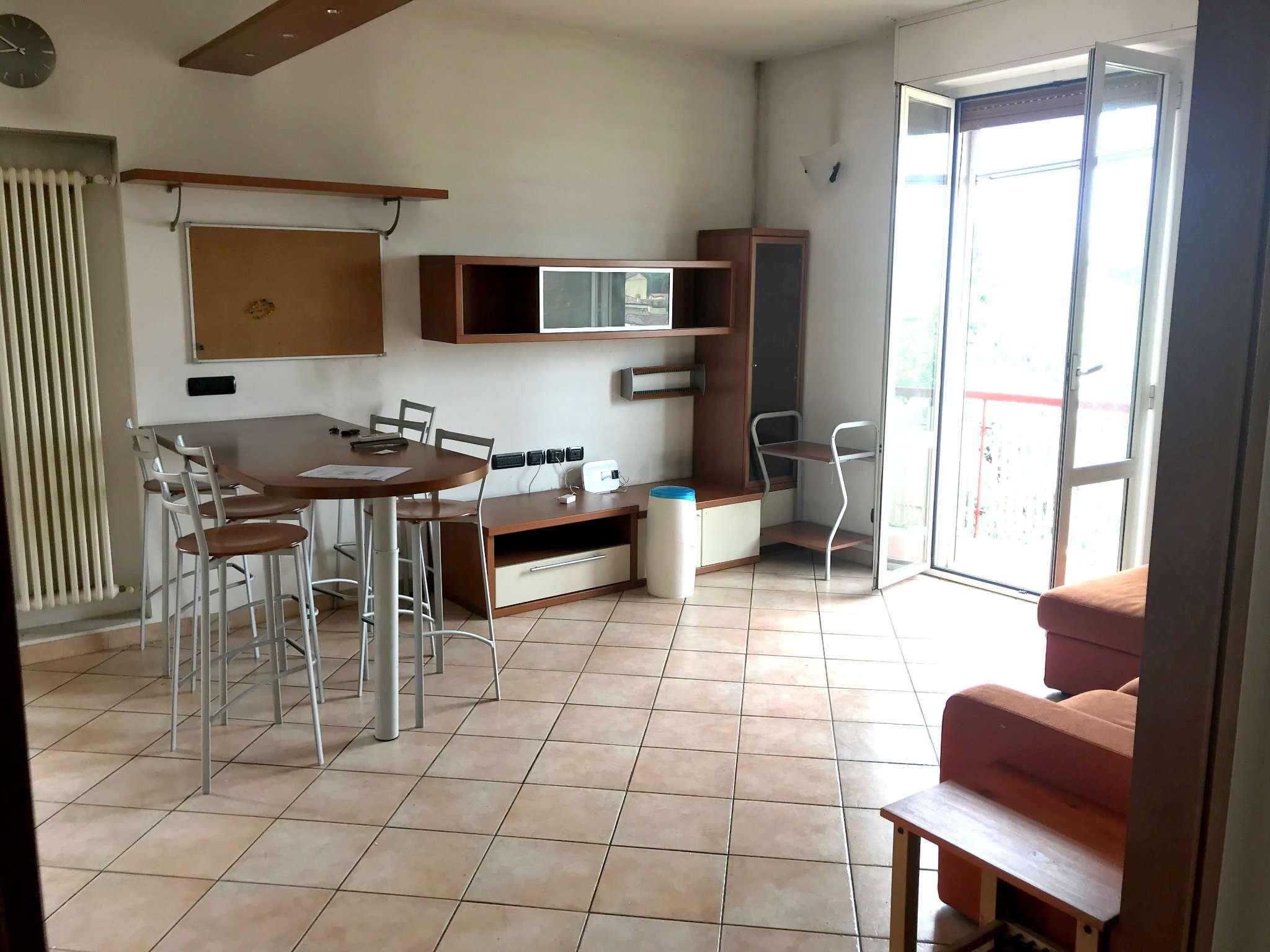 Appartamento ristrutturato arredato in vendita Rif. 7122074