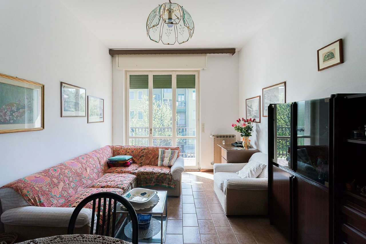 Appartamento in buone condizioni in vendita Rif. 9025473