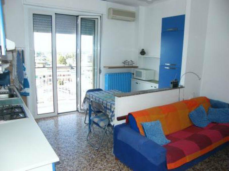 Appartamento in buone condizioni arredato in affitto Rif. 7928578
