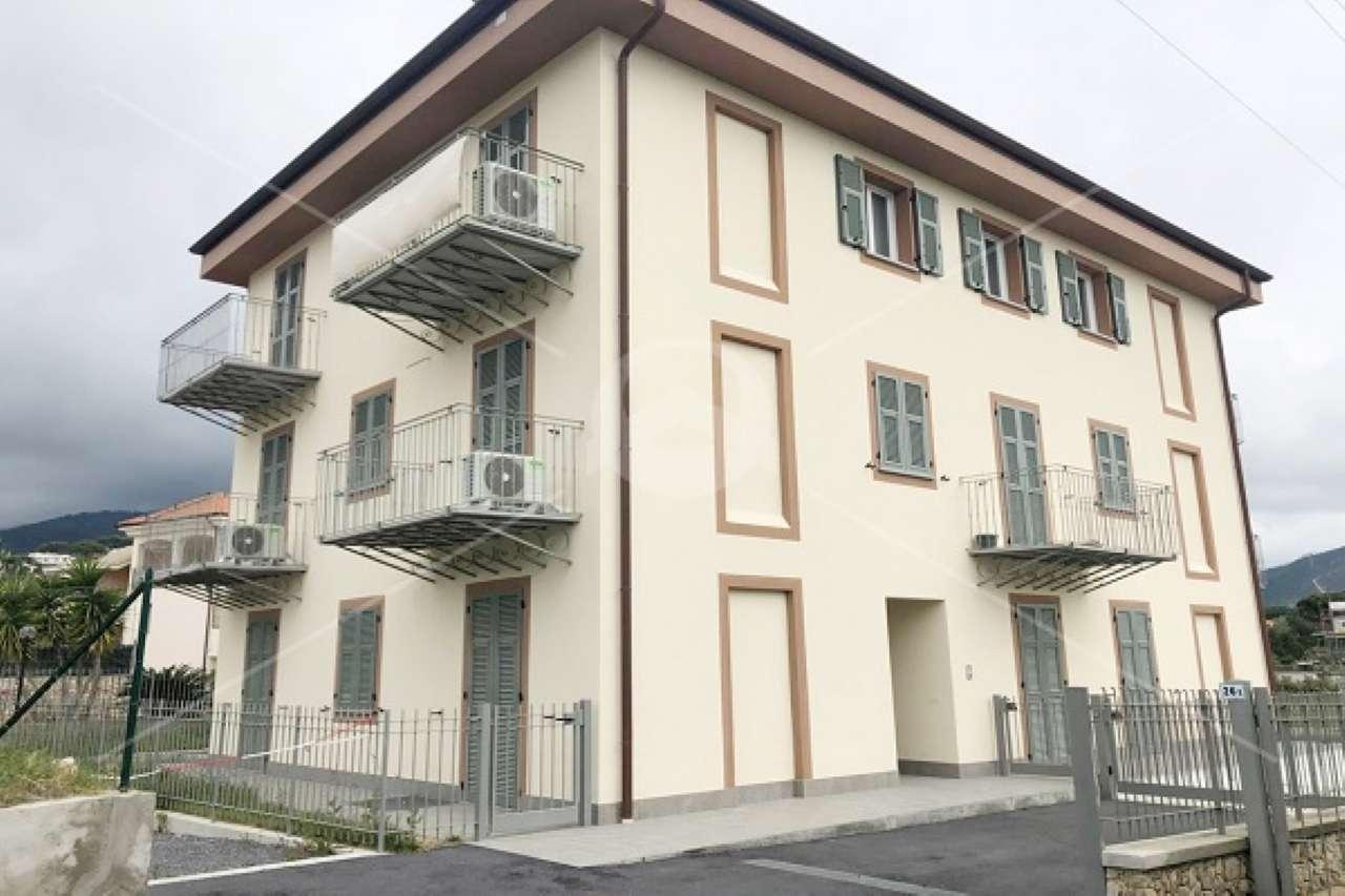 Appartamento in vendita a Borghetto Santo Spirito, 2 locali, prezzo € 198.000 | CambioCasa.it
