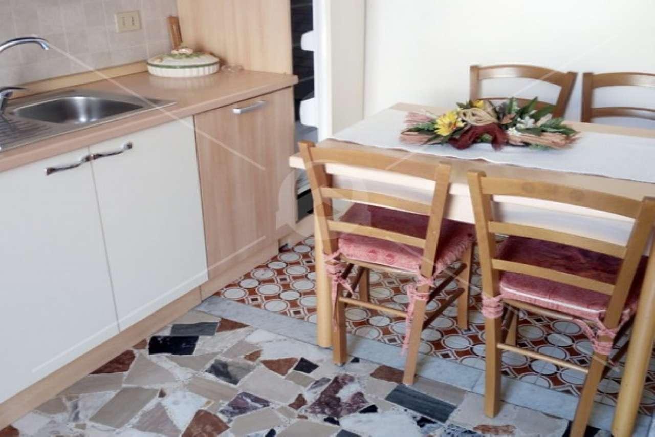 Appartamento in vendita a Borghetto Santo Spirito, 2 locali, prezzo € 140.000   CambioCasa.it