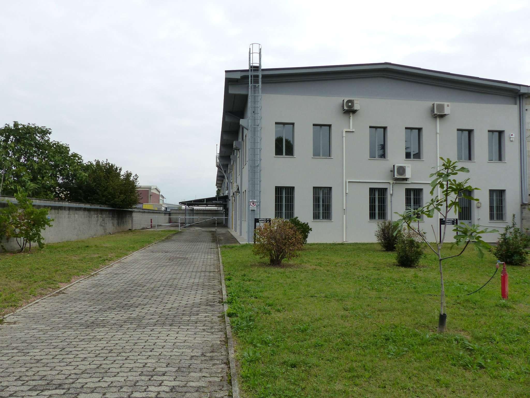 Immobili commerciali in affitto a pessano con bornago for Immobili commerciali affitto roma