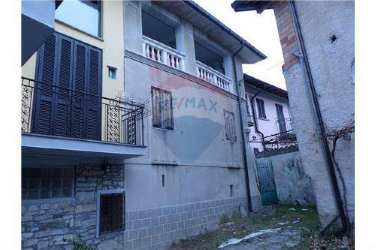 Appartamento in vendita a Masciago Primo, 4 locali, prezzo € 55.000 | CambioCasa.it