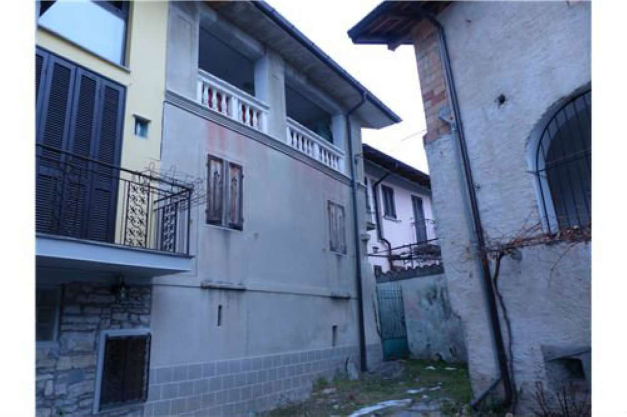 Appartamento in vendita a Masciago Primo, 4 locali, prezzo € 55.000 | PortaleAgenzieImmobiliari.it