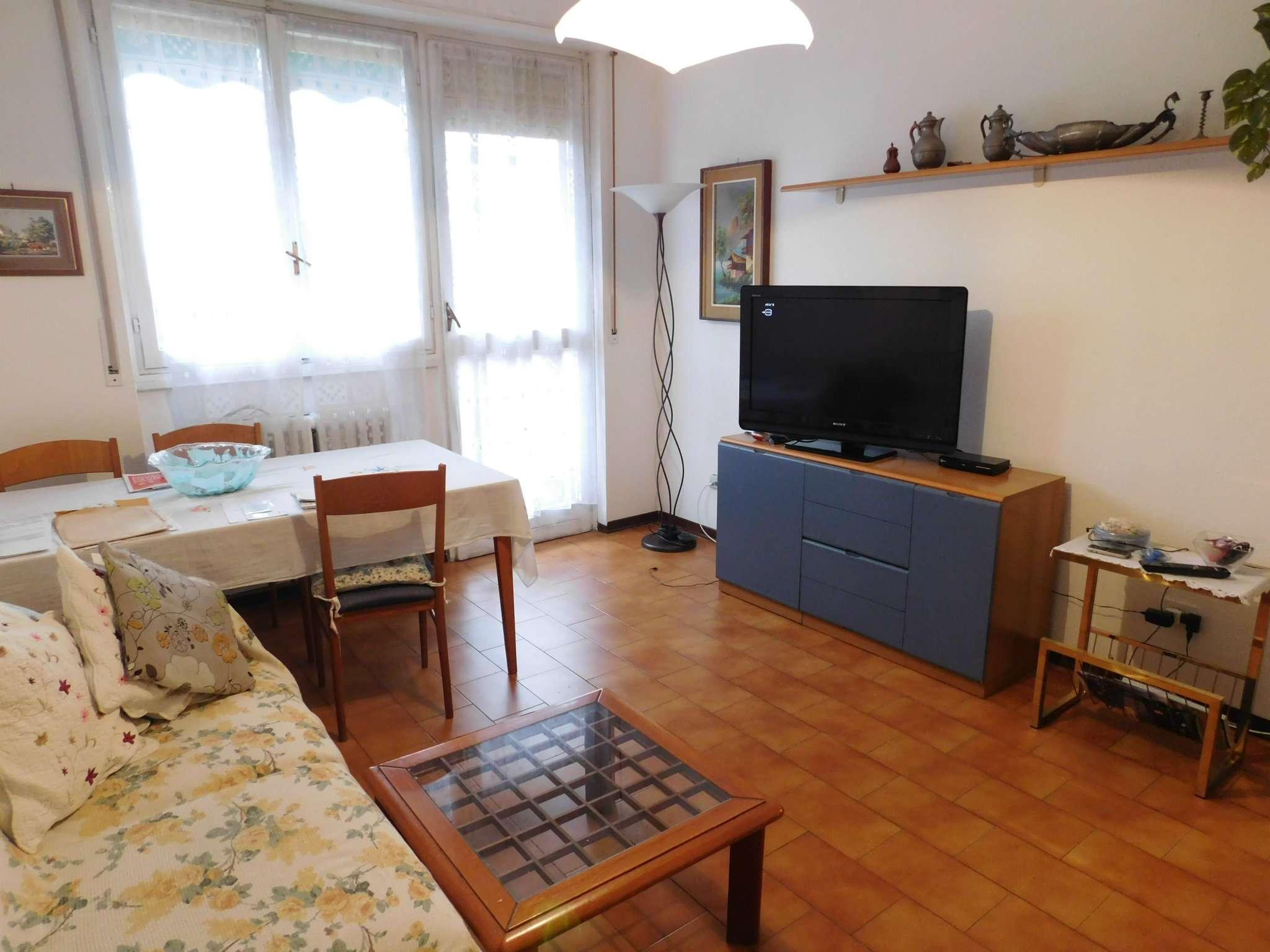 Appartamento in buone condizioni in vendita Rif. 8887586