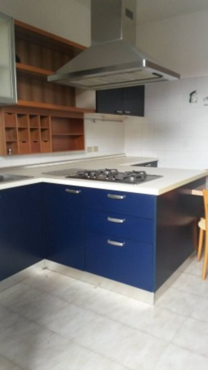 Appartamento in buone condizioni arredato in affitto Rif. 7812049
