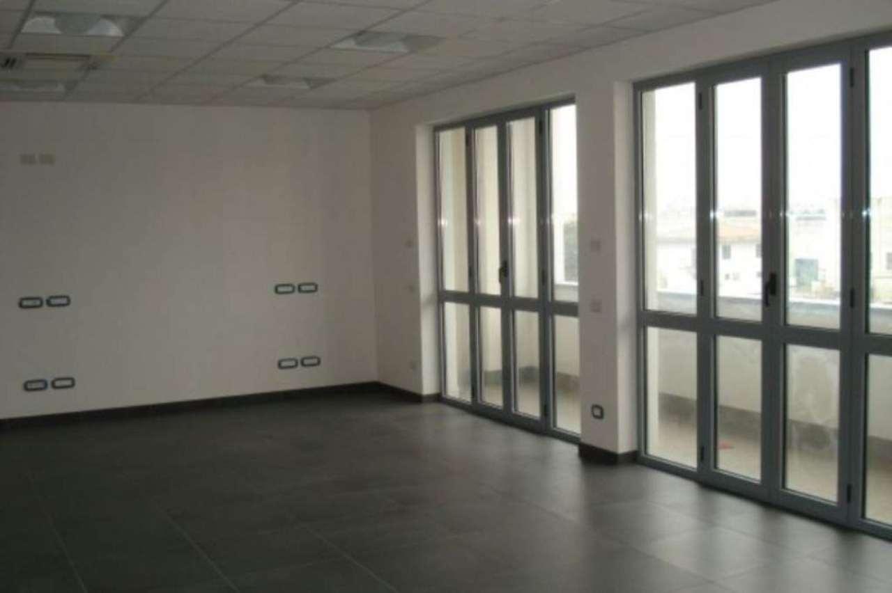 Ufficio / Studio in affitto a Cesate, 3 locali, prezzo € 1.000 | PortaleAgenzieImmobiliari.it