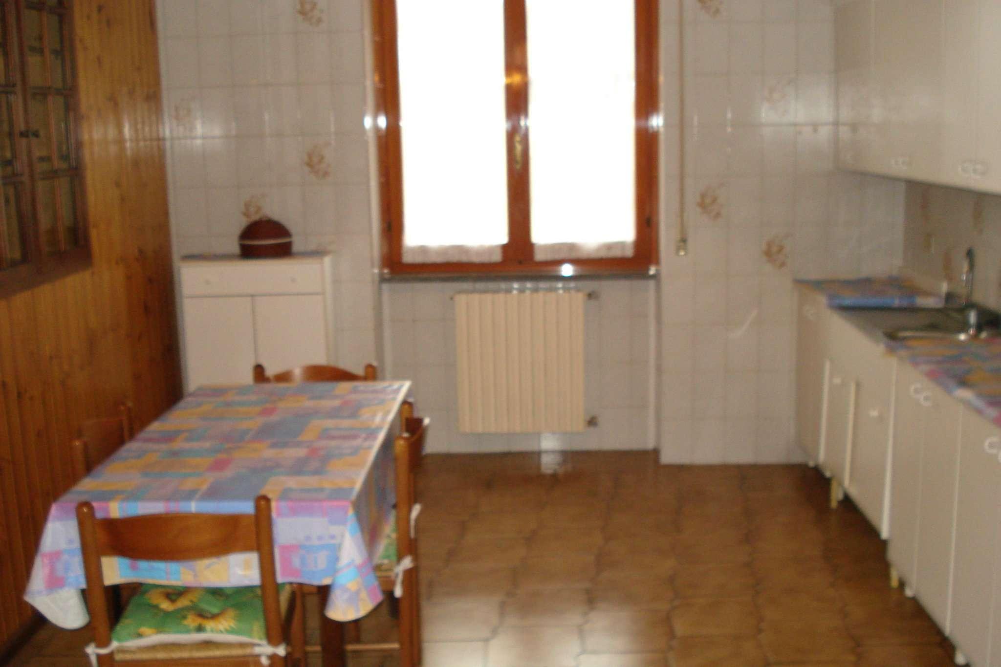 Appartamento in vendita a Cesate, 2 locali, prezzo € 64.000 | CambioCasa.it