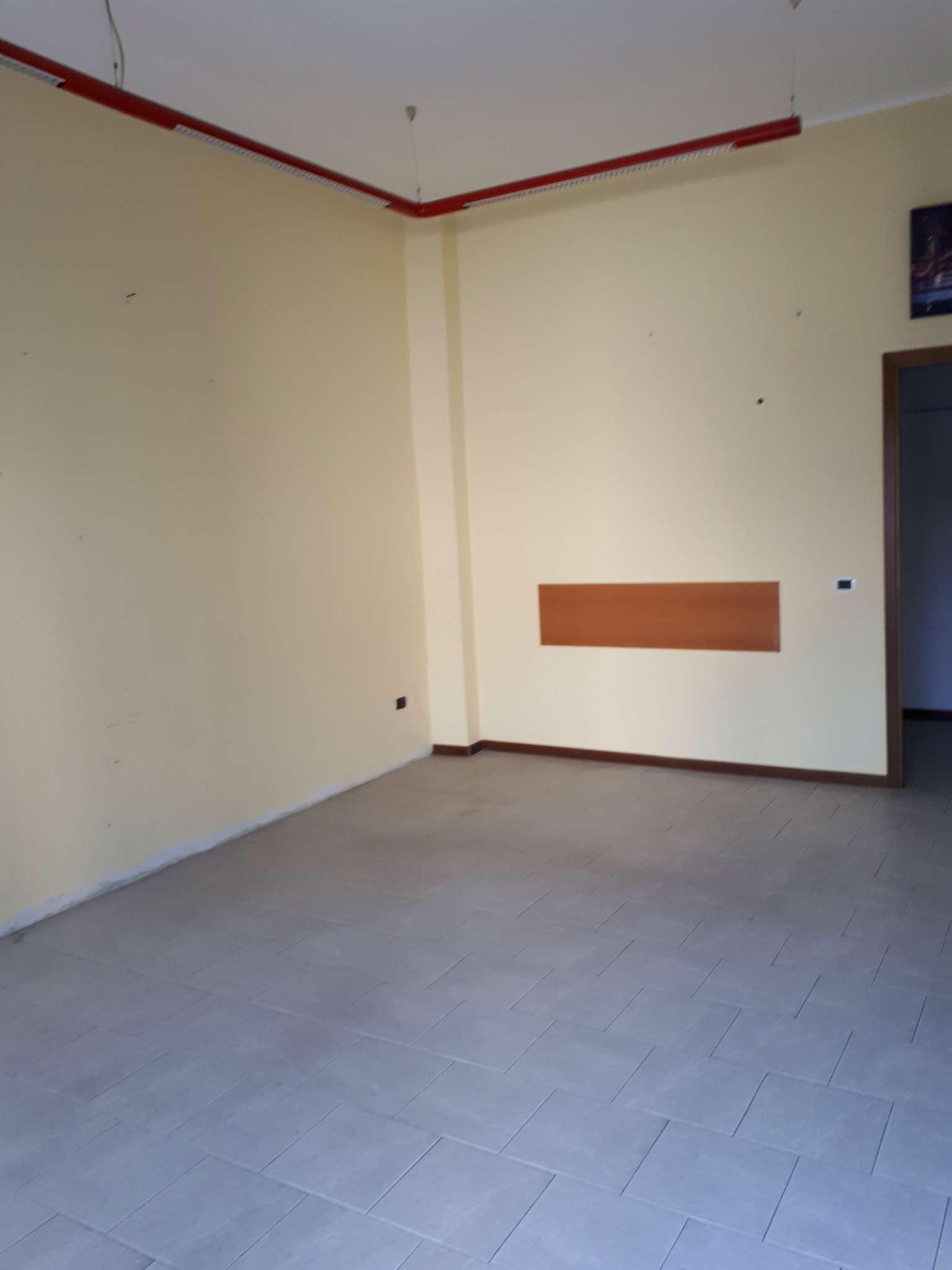 Negozio / Locale in affitto a Cesate, 2 locali, prezzo € 400 | PortaleAgenzieImmobiliari.it
