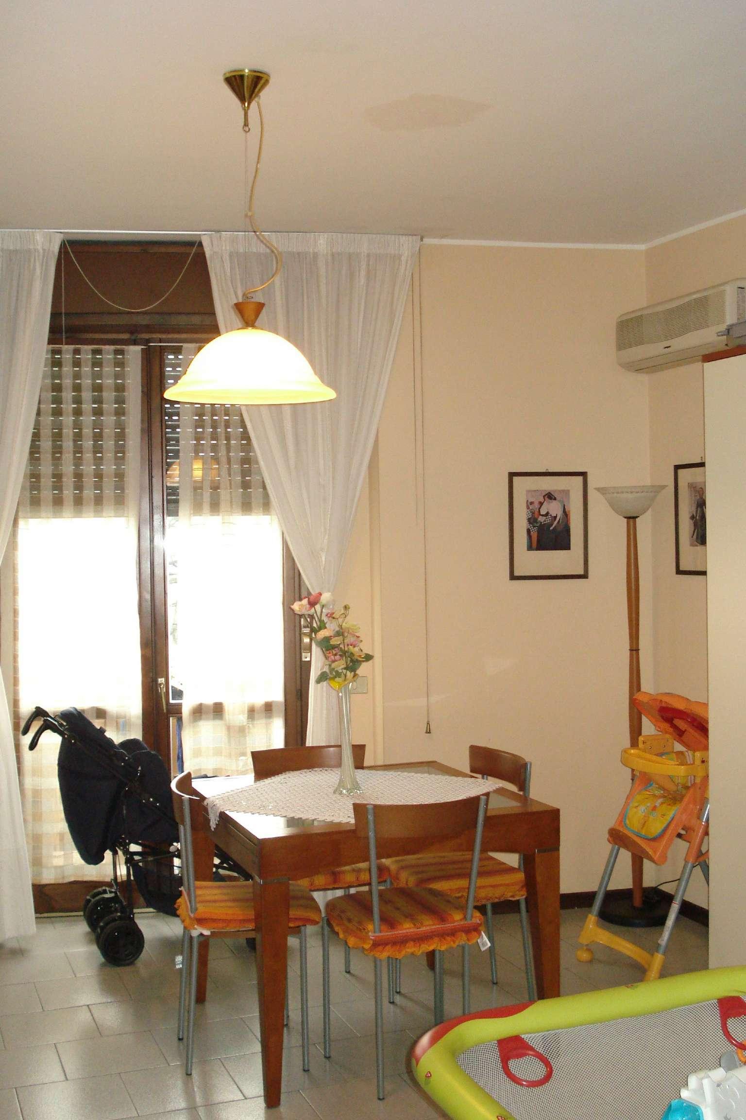 Appartamento in vendita a Garbagnate Milanese, 2 locali, prezzo € 115.000 | CambioCasa.it