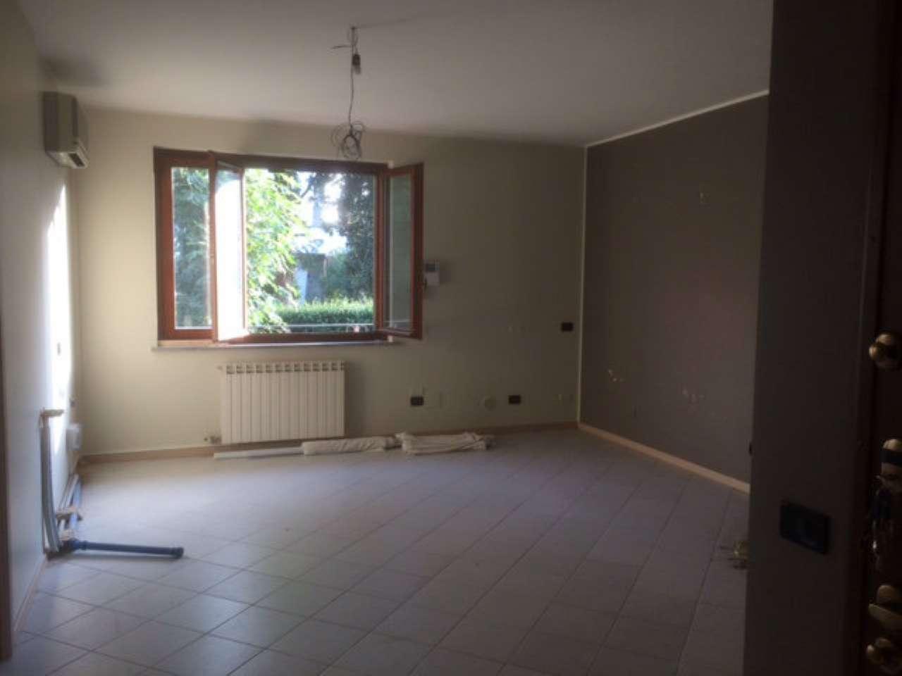 Appartamento in affitto a Cesate, 2 locali, prezzo € 650 | CambioCasa.it