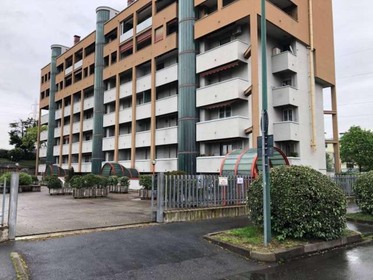 Attività / Licenza in vendita a Cologno Monzese, 1 locali, prezzo € 18.500 | PortaleAgenzieImmobiliari.it
