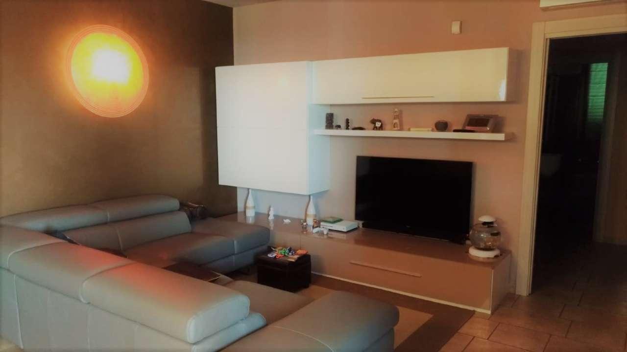 Appartamento ristrutturato in vendita Rif. 7860638
