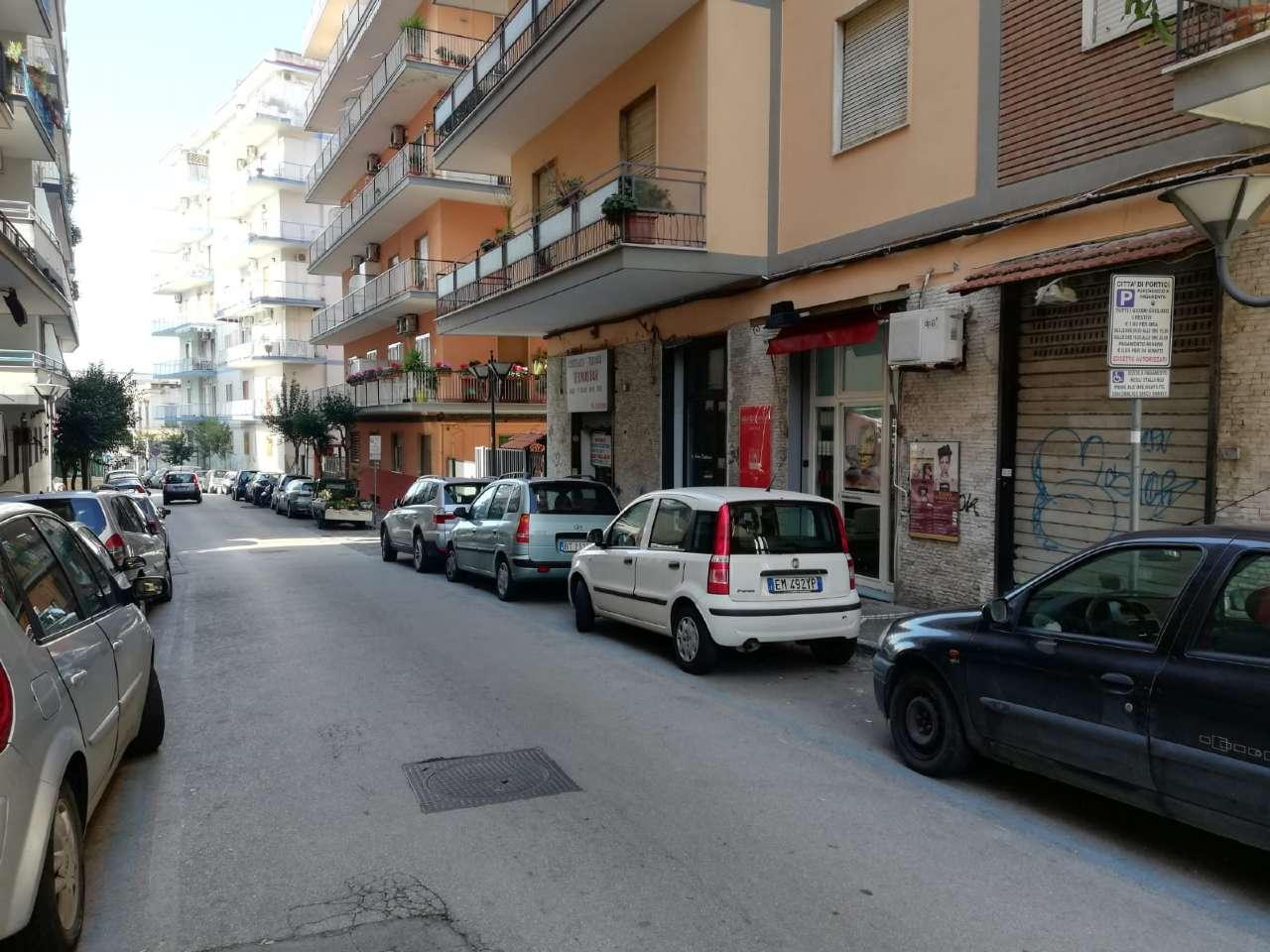Negozio / Locale in affitto a Portici, 1 locali, prezzo € 300 | CambioCasa.it