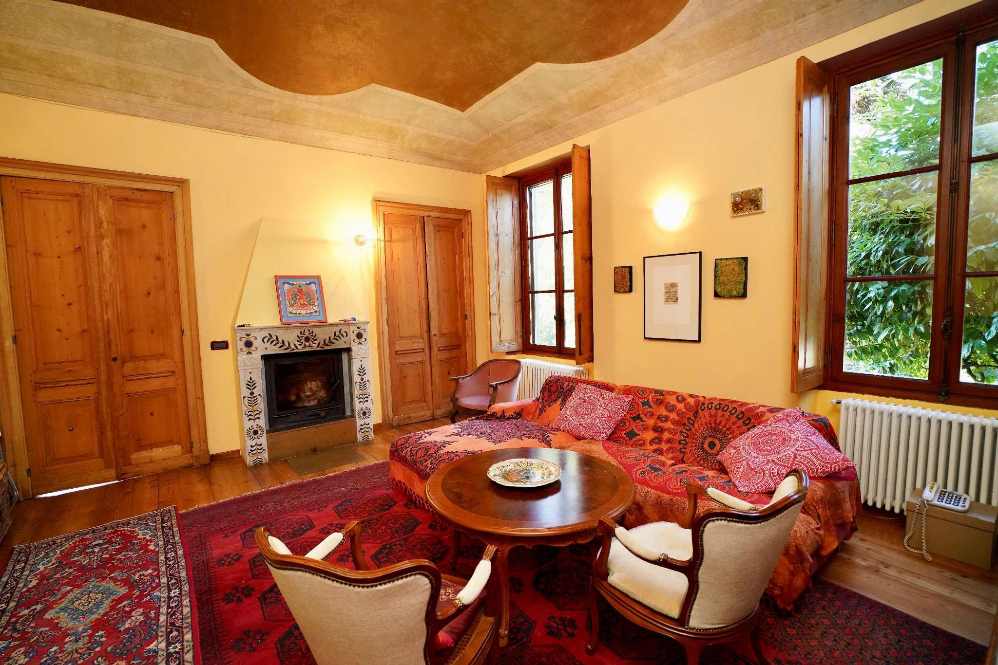 Rustico / Casale in buone condizioni in vendita Rif. 8408085